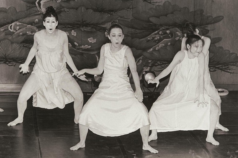 rhia-butoh-noh-stage1